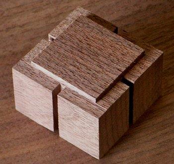 キューブ -1 350-330-h.jpg