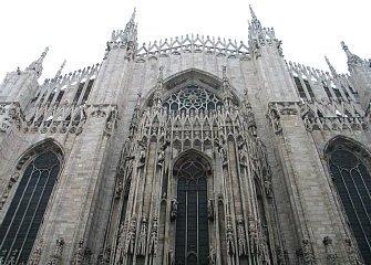 大聖堂 外-2 335-240.jpg