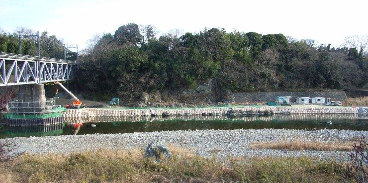 鉄橋橋脚改修工事 0901 740-368.jpg