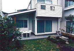 2-庭側より 256-178.jpg